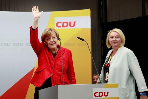 Коррупционный скандал из-за азербайджанских денег ударил по партии Меркель