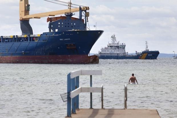 У Швеції смертельно п'яний капітан із РФ посадив судно на мілину
