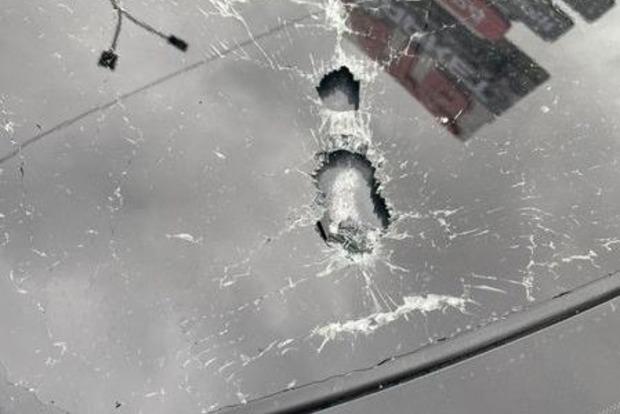 Под Киевом обстреляли машину первого помощника президента Шефира