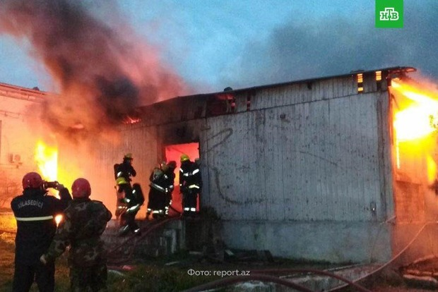 Появилось жуткое видео пожара в Баку, где сгорели 24 человека