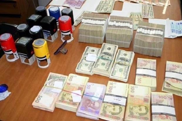 Белан: Разоблачен конвертцентр, связанный с фирмами Курченко