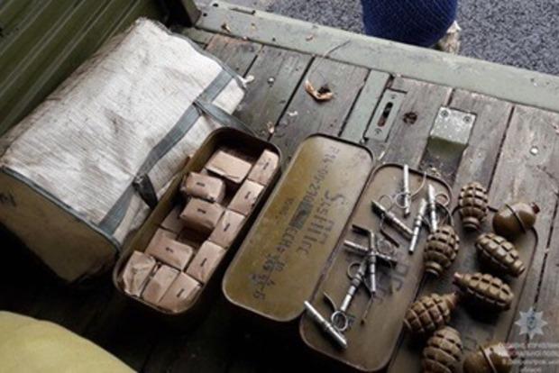 В Днепропетровской области остановили КамАз с оружием