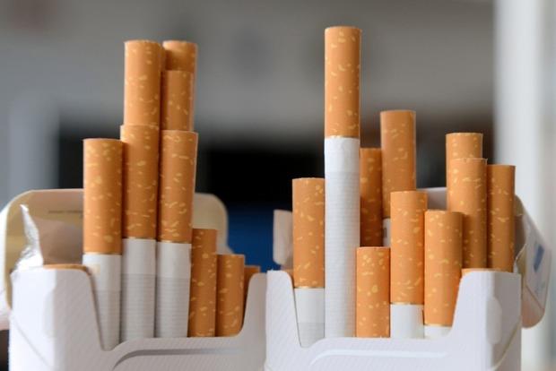 Минфин хочет ежегодно повышать на 20% табачный акциз