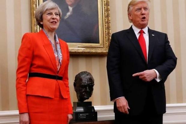 Трамп, испугавшись протестов, отменил визит в Британию