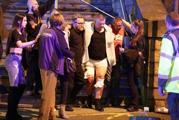 Все партии Великобритании приостановили избирательную кампанию из-за теракта в Манчестере
