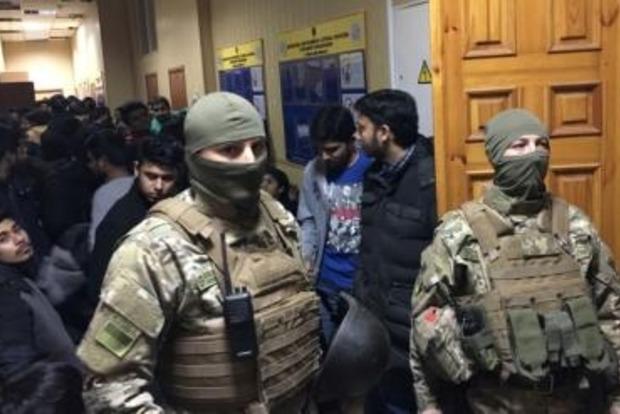 В Одессе задержали более 120 мигрантов из Индии, Ирака и Пакистана