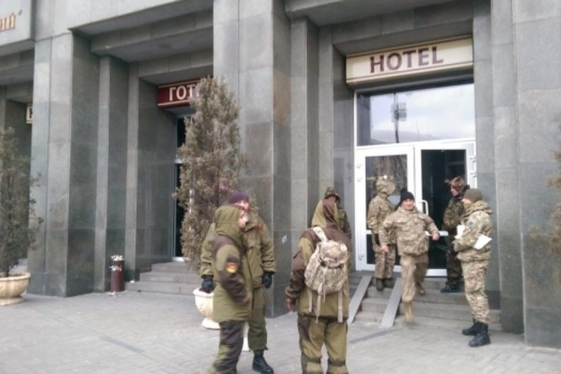Активисты на Майдане заняли отель в центре Киева