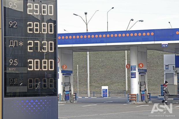 Ціна на бензин А-95 до кінця місяця виросте в середньому ще на 1 гривню