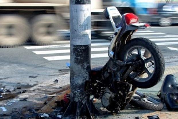 Под Киевом военный разбился на мотоцикле