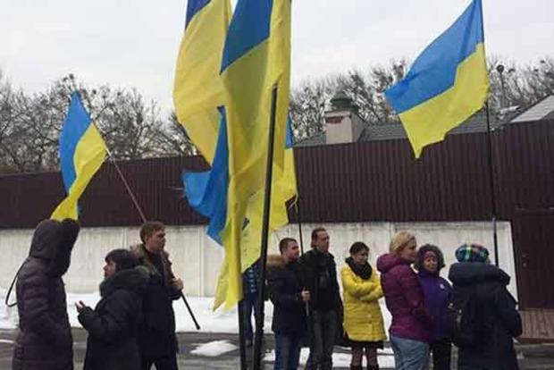 В Киеве устроили автопробег к дому Авакова