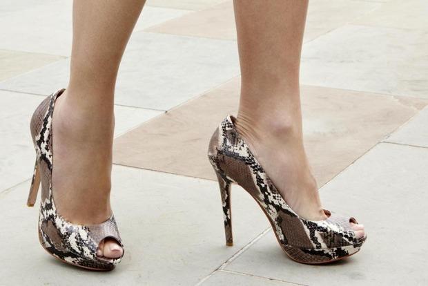 Известный обувной бренд Jimmy Choo хотят продать за $895,5 млн