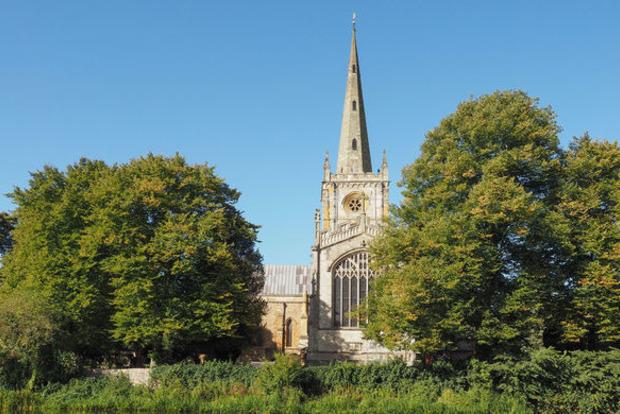 Шпили церквей в Британии помогут раздавать интернет