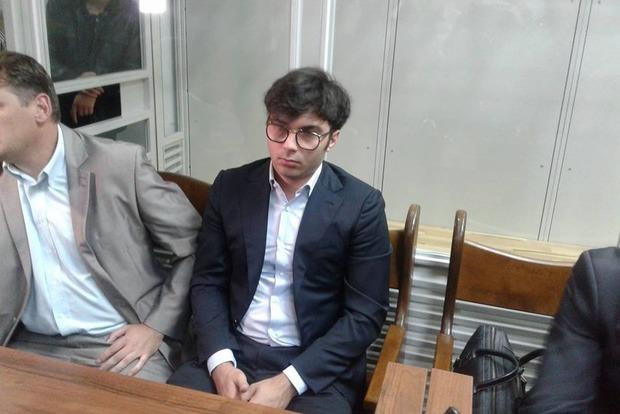 Суд отпустил Нестора Шуфрича-младшего на поруки отца-депутата, учитывая беременность супруги