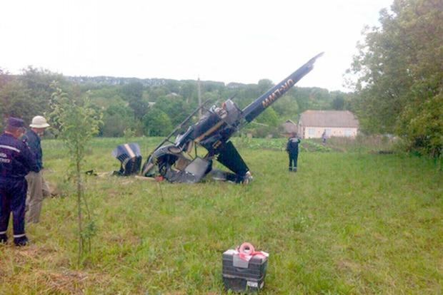 В Хмельницкой области упал вертолет и зацепился за ЛЭП