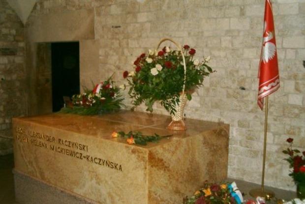 Смоленская авиакатастрофа: в Кракове эксгумировали чету Качиньских