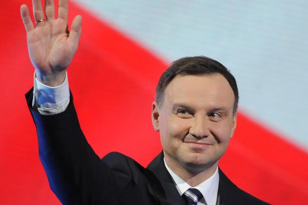 Порошенко подсчитал, сколько Украина заработала наеврооблигациях