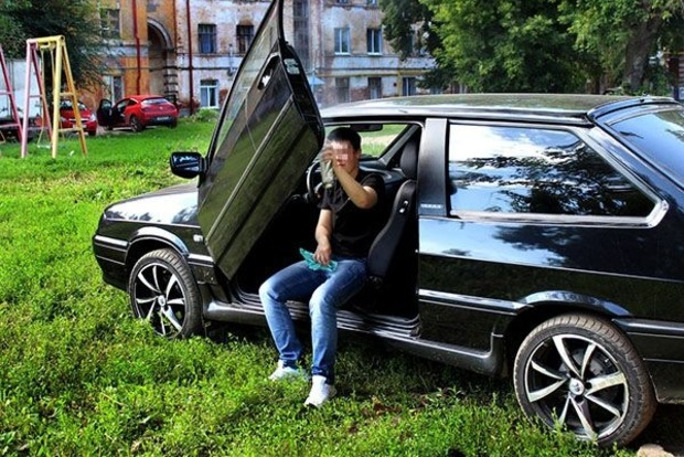 В России девушка сама собрала автомобиль и погибла в нем