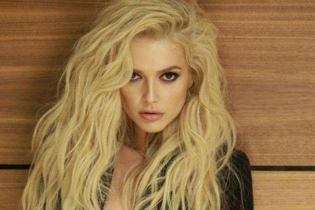 Шикарная блондинка из «ВИА Гры» показала точеную фигурку