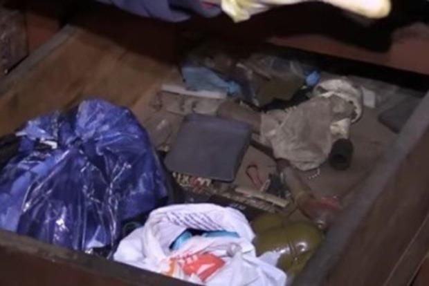 В Киеве нашли тайник с боеприпасами. Полиция подозревает протестующих