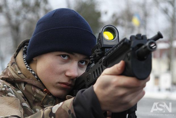 Военные в Попасной из автоматов обстреляли мирную жительницу