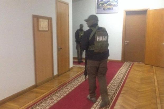 В здании Запорожской ОГА проходят обыски