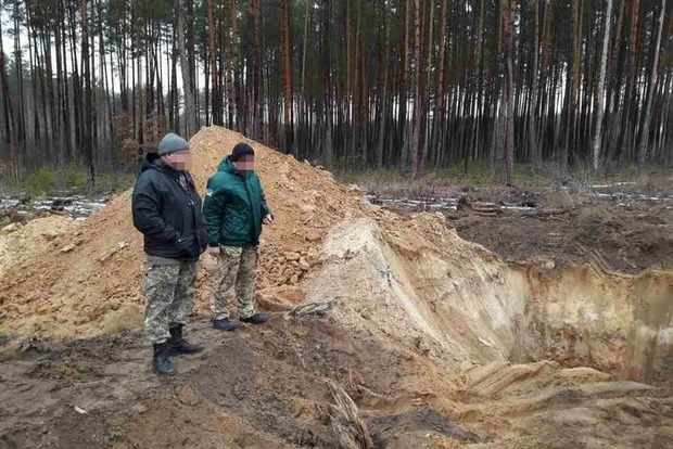 В Житомирской области СБУ разоблачила незаконную добычу песка