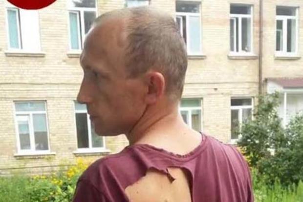 Изорвали в клочья: Водитель маршрутки с подельником избили полицейского под Киевом