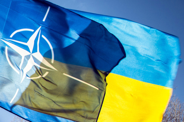 Генсек НАТО Столтенберг посетит в июле Украину