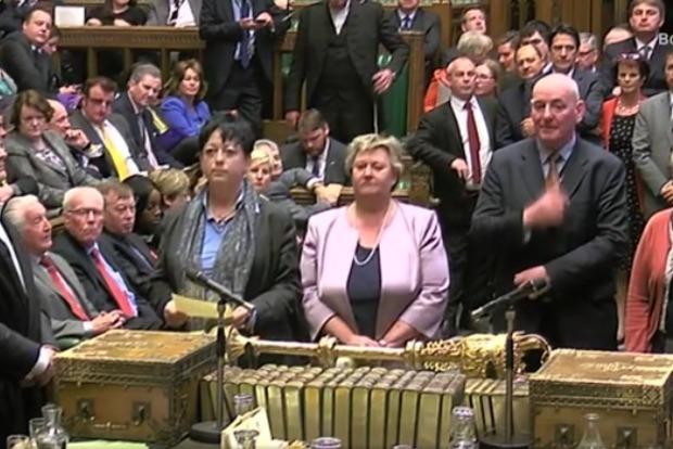 Парламент Великобритании одобрил проведение в июне досрочных выборов