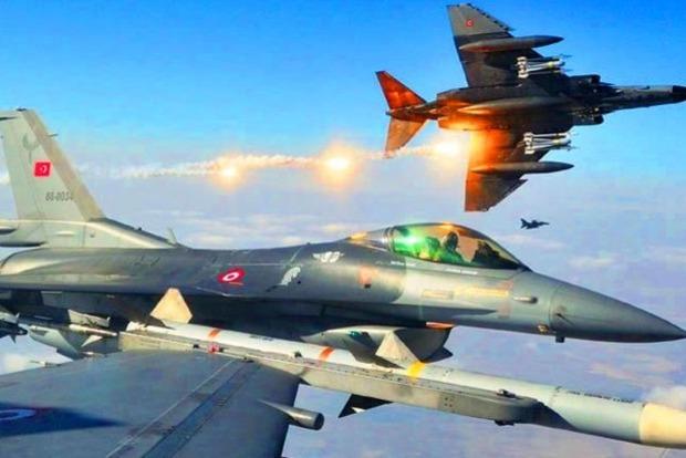 Армения заявила, что турецкий истребитель сбил ее самолет. Турция отрицает эту информацию