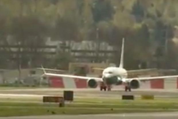 Компания Boeing испытала новый самолет 737 MAX 9