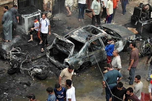 На рынке Багдада взорвалось авто: погибли 12 человек