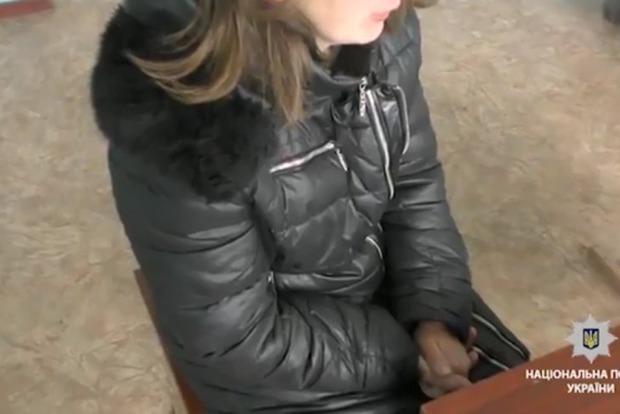 Переселенка из Луганска обманывала волонтеров: в Сети рассказали о матери, бросившей ребенка с моста