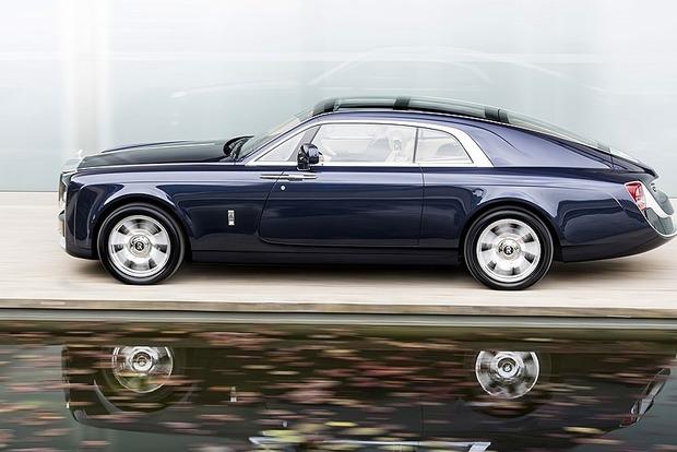 Компания Rolls-Royce создала самый дорогой в мире автомобиль со стеклянной крышей