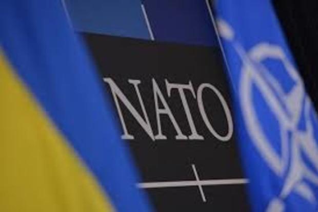 За НАТО выступает 42% украинцев. Треть страны все еще придерживается поразительной позиции – исследование