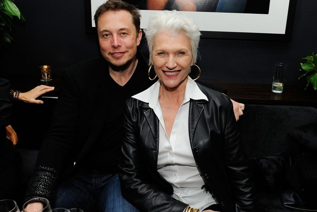 Мама миллиардера Илона Маска стала лицом косметического бренда