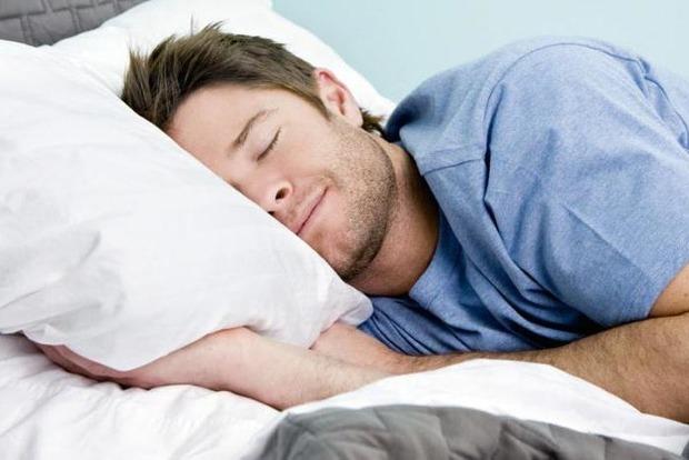 Ученые предупредили: недосып делает из людей генетических мутантов
