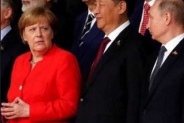 Меркель на саммите в Гамбурге обласкала почти всех, кроме Путина