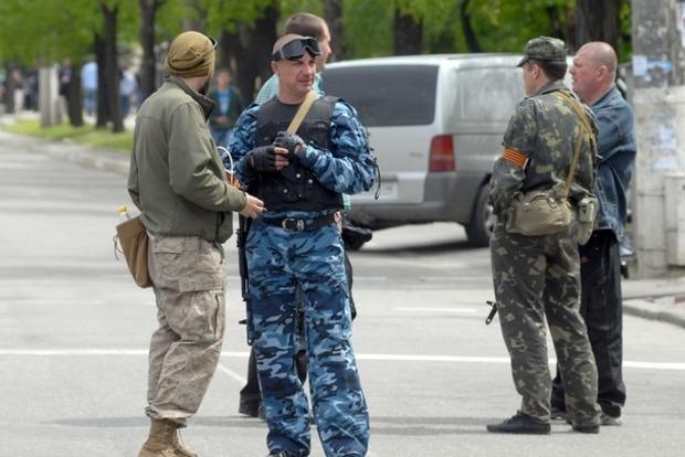 В Донецке со стрельбой и взрывами разоружили батальон Прилепина