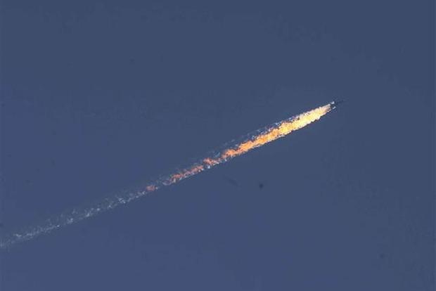 СМИ: Турецкие военные задержали одного из пилотов сбитого самолета