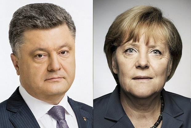 Меркель пообещала содействовать скорейшей отмене виз для украинцев