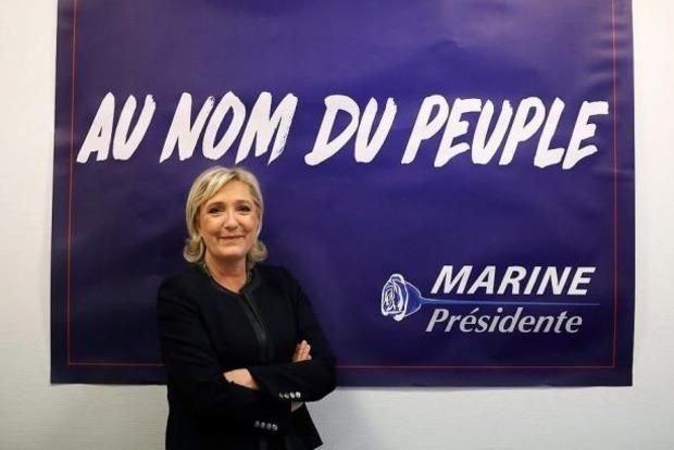 В Париже подожгли предвыборный штаб подруги Путина Ле Пен