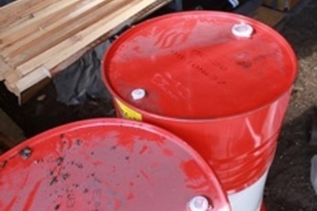 Военнослужащий пытался продать тонну горючего