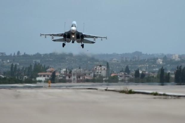 Самолёты США провели разведку около русских баз вСирии