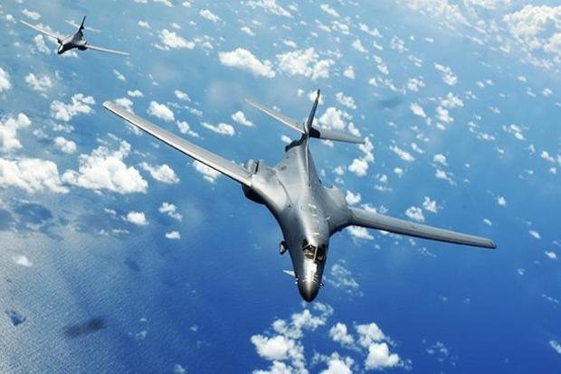 Бомбардувальники США пролетіли над КНДР у відповідь наракетні випробування