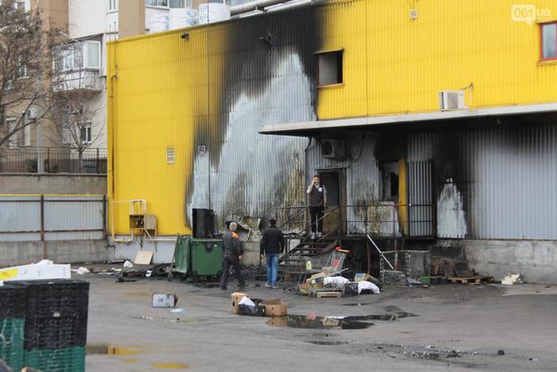 ВЗапорожье произошел серьезный пожар всупермаркете