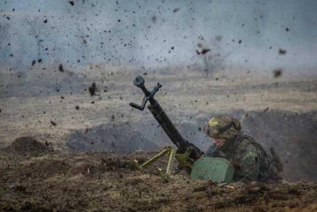 Сутки в АТО: враг использует артиллерию и ракетные комплексы