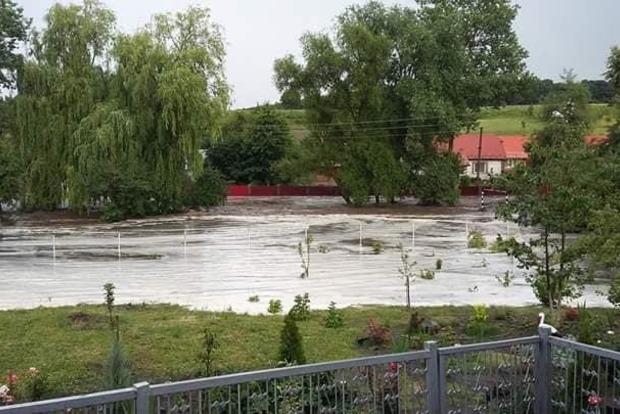 Село на Тернопольщине смыло водой после проливного дождя