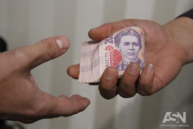 На Полтавщині на хабарі затримали трьох працівників поліції