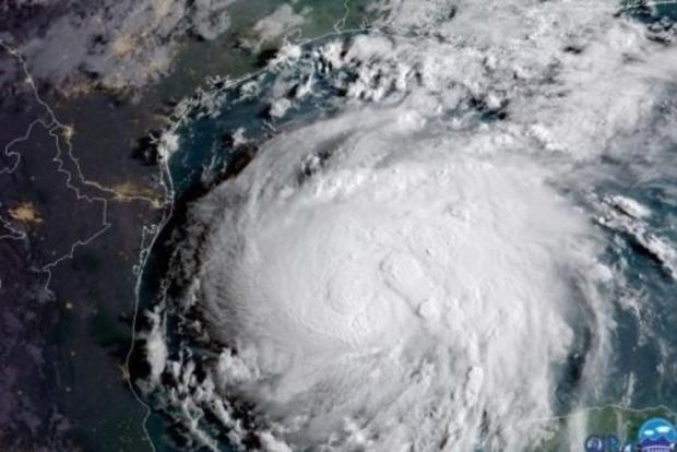 Фильм ужасов. В сети показали видео рекордного урагана Харви